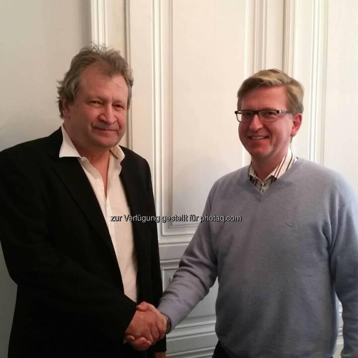 Peter Oswald (Kairos), Martin Rummel, Chef und Mastermind der paladino media gmbh: Mit 1. Mai 2015 wurde das renommierte Neue-Musik-Label Kairos Teil der paladino media und somit das vierte CD-Label des Wiener Unternehmens.