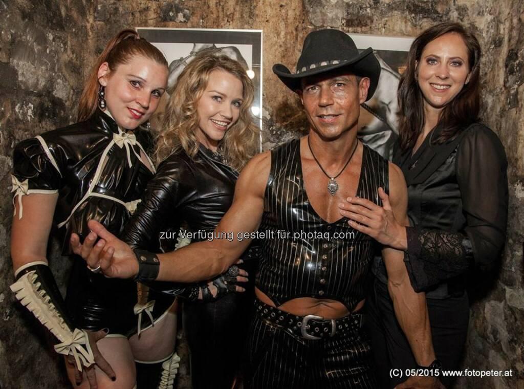 Latexmodels Wendy Night, Cowboyman, Lisa Grüner (Bild: Peter Hickersberger) (23.05.2015)