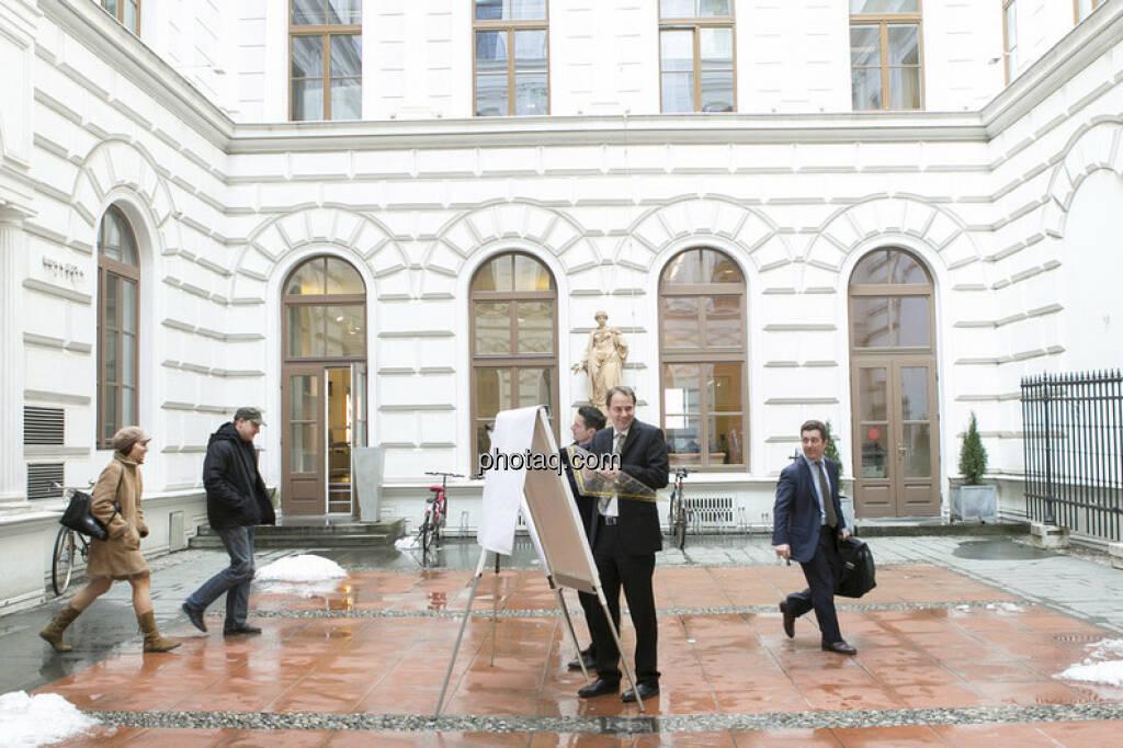 Robert Schittler (Raiffeisen) und Christoph Schultes (Erste Group) - Chartechnik / Research für das Fachheft (c) Martina Draper (01.03.2013)