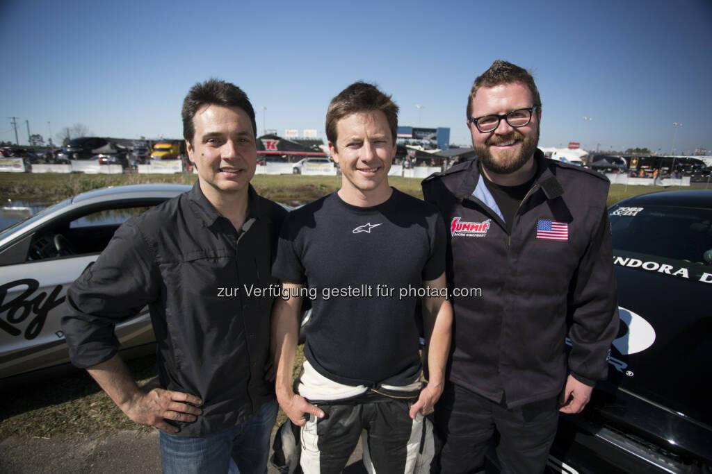 Adam, Tanner & Rutledge after the drag race. © 2014 BBC Worldwide Ltd.: RTL II: Neu bei RTL II: Top Gear USA bietet hochklassiges Motor-Entertainment, © Aussendung (30.05.2015)