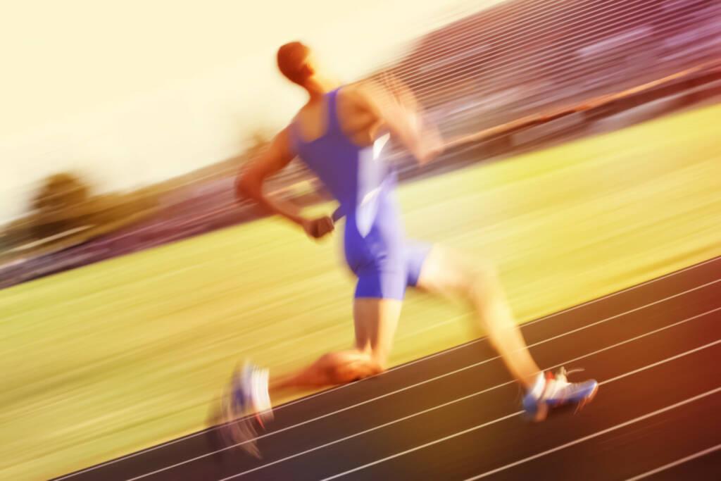 Leichtathletik, Laufen, Staffel, Laufbahn http://www.shutterstock.com/de/pic-264037451/stock-photo-relay-runner.html (04.06.2015)