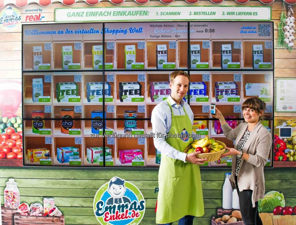 Metro Group: Emmas Enkel präsentiert sich in Kooperation mit Real mit einem digitalen Einkaufsladen erstmals auch auf dem Campus der Metro Group in Düsseldorf., © Aussender (08.06.2015)