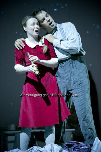 Julia Novikova (Gerda), Szabolcs Brickner (Kay), (C) Roland Schuller (14.06.2015)