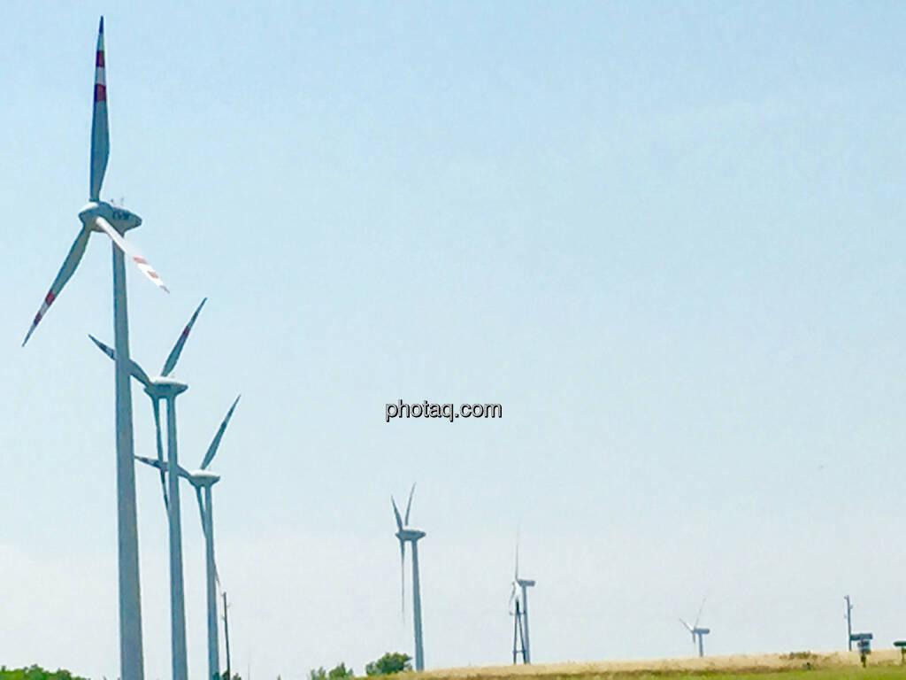Windräder, Windanlage, Windenergie, Niederösterreich, © photaq.com (15.06.2015)