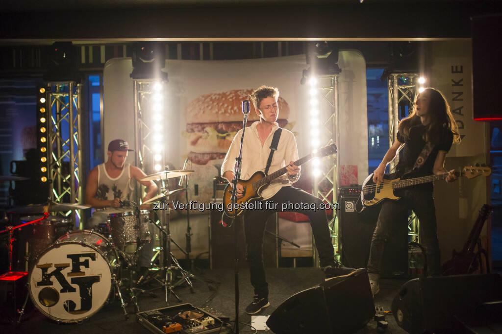 Die Rockband Kaiser Franz Josef spielte im McDonald's Restaurant in Klagenfurt auf., © Nedim Husicic | Optical Engineers (15.06.2015)