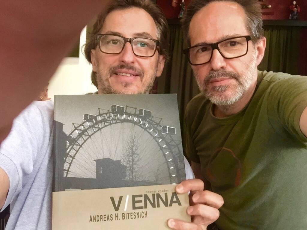 Josef Chladek, Andreas Bitesnich - mit Andreas neuem Buch Vienna - on sale beim ViennaPhotoBookFestival (und auf http://www.bitesnich.com) (15.06.2015)