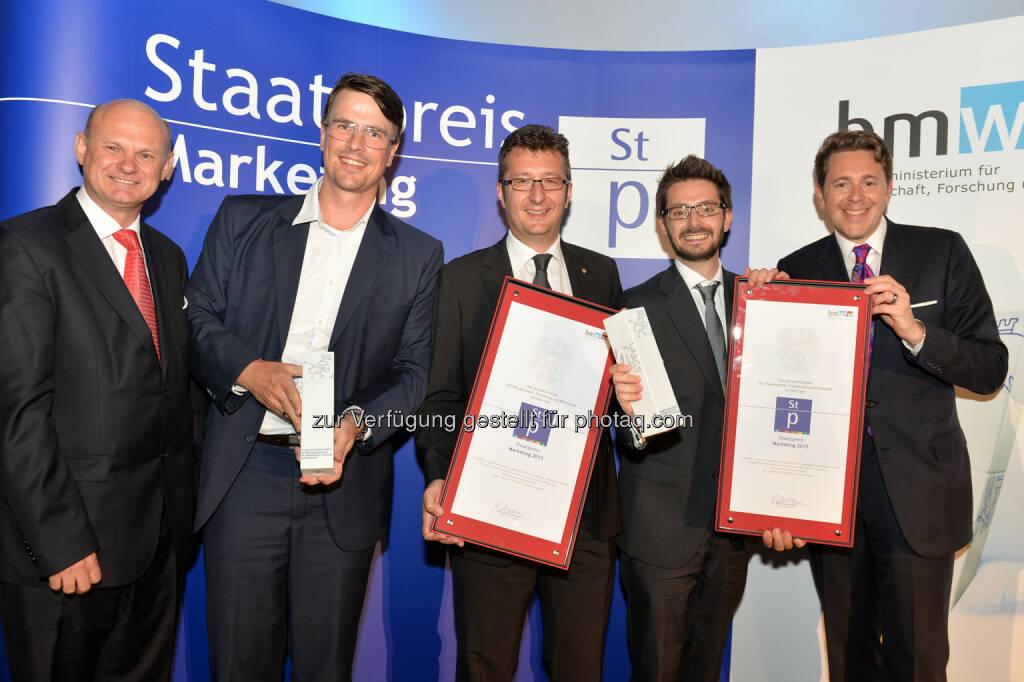Staatssekretär Harald Mahrer überreicht Staatspreis Marketing 2015 an Traktorenwerk Lindner GmbH, (C) BMWFW, © Aussendung (16.06.2015)