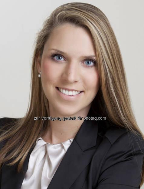 Julia Moser, LL.M (UCLA), verstärkt zukünftig als Rechtsanwältin das Team von Graf & Pitkowitz Rechtsanwälte GmbH. Während ihrer Tätigkeit als Rechtsanwaltsanwärterin bei Graf & Pitkowitz hat Julia Moser 2009 ihr Doktoratsstudium an der Juristischen Fakultät in Wien mit Auszeichnung abgeschlossen und im darauffolgenden Jahr auch die Rechtsanwaltsprüfung – ebenfalls mit ausgezeichnetem Erfolg – abgelegt. 2012 hat sie ihr Master-Studium in Kalifornien absolviert und anschließend auch das New York Bar Exam abgelegt. Julia Moser ist daher in Österreich (seit 2012) und New York (seit 2013) als Anwältin zugelassen. Sie ist auf Fragen des Unternehmens- und Prozessrecht spezialisiert und hat darüberhinaus einen besonderen Fokus im Bereich Medizin- und Krankenanstaltenrecht bzw. Arzneimittelrecht und Life Sciences (c) Aussendung (07.03.2013)