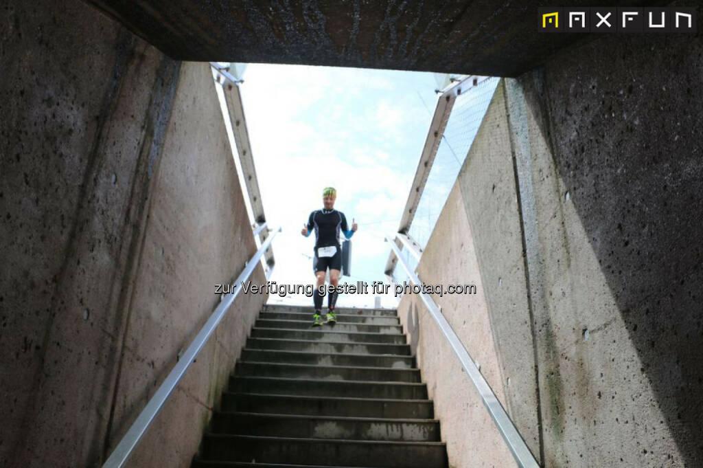 Mozart 100, Stiege, Stufe, abwärts, hinunter, © MaxFun Sports (22.06.2015)