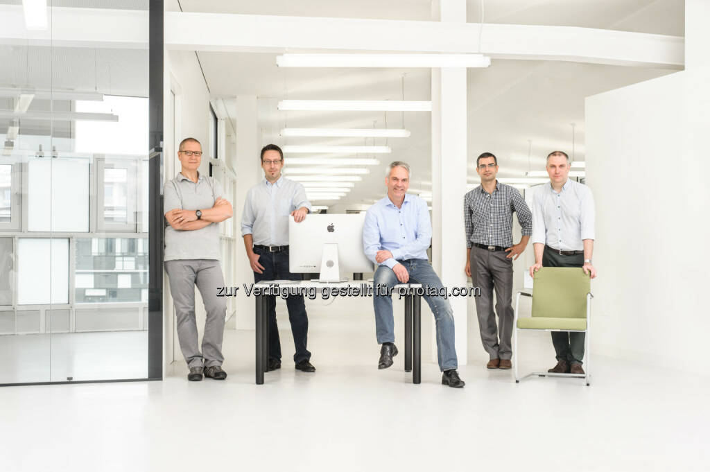 "Ernst Hefter, Werner Stadlober, Harald Pfeiffer, Mehdi Khodaeifard, Michael Frank: extendIT GmbH: extendIT und futurezone.at starten ""futurezone tech-service"", (C) extendIT GmbH, © Aussendung (24.06.2015)"
