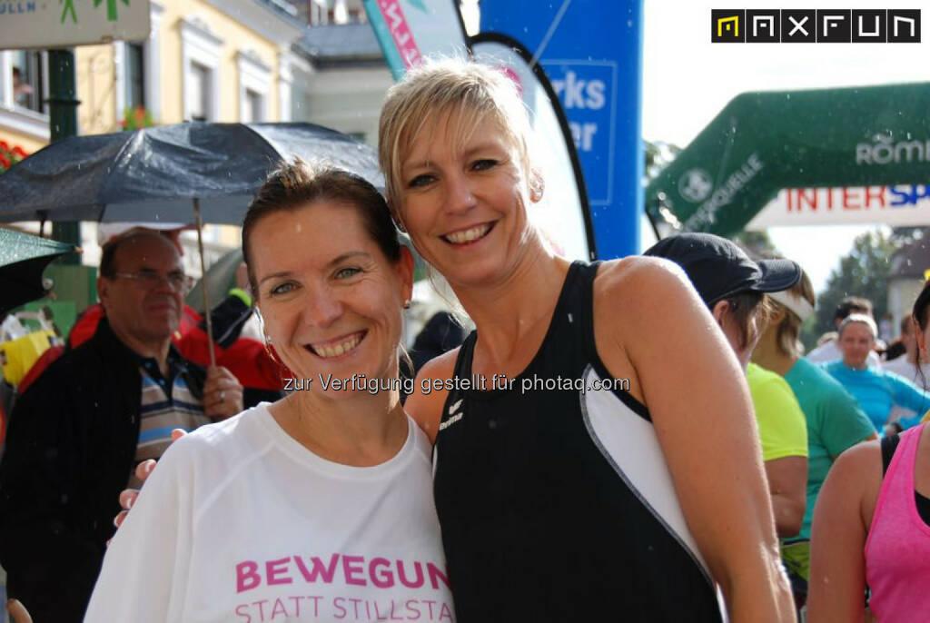 Rosenarcadelauf Tulln, Gabi Görtler (lauffrau.at), Anita Miedl, © MaxFun Sports (25.06.2015)