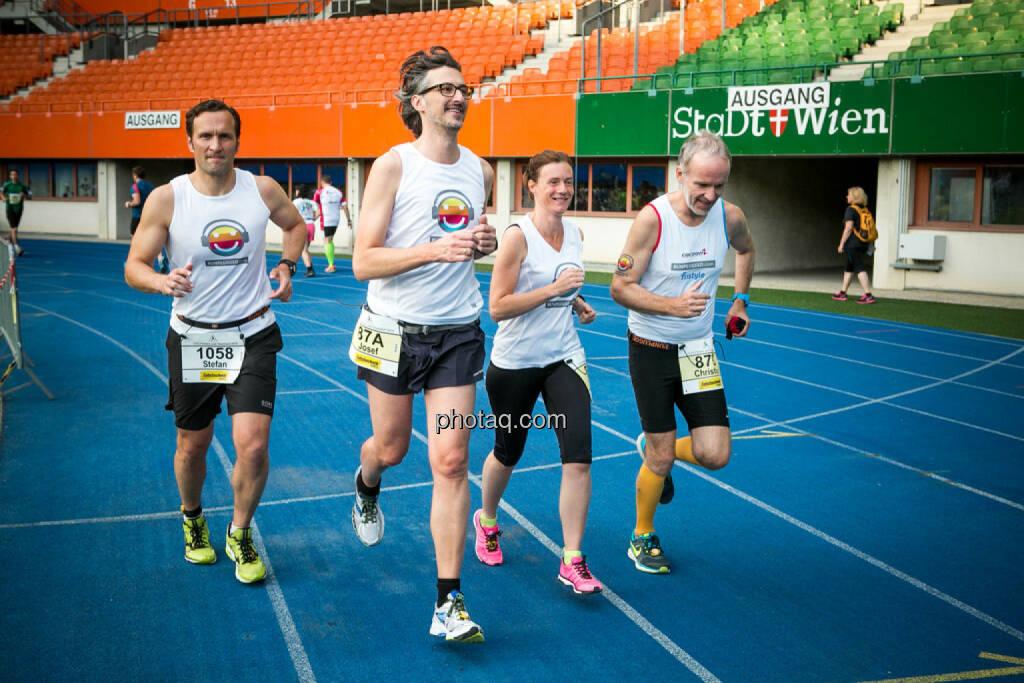 Stefan Kratzsch (Deutsche Bank), Josef Chladek, Martina Draper, Christian Drastil, © photaq/Ludwig Hartweger/Martina Draper/div.Handypics (26.06.2015)