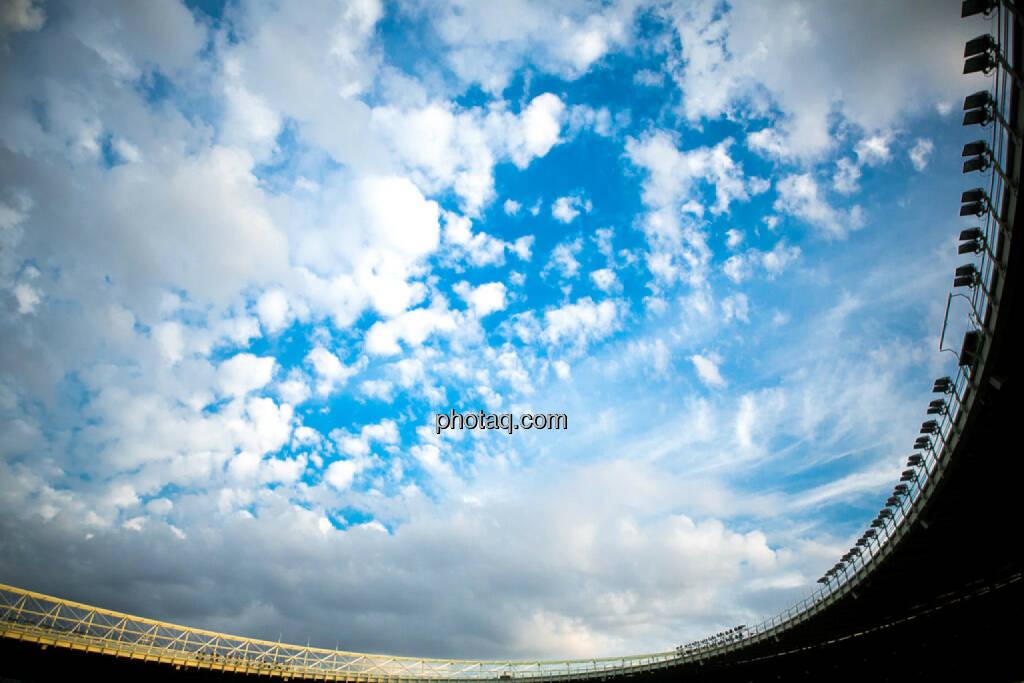 Himmel, Wolken, Ernst Happel Stadion, © photaq/Ludwig Hartweger/Martina Draper/div.Handypics (26.06.2015)