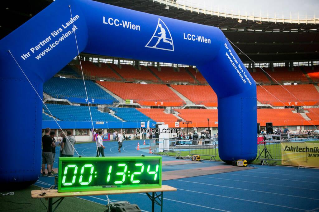 LCC Team- und Firmenlauf, Zeitnehmung, © photaq/Ludwig Hartweger/Martina Draper/div.Handypics (26.06.2015)