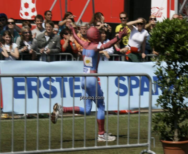 Erste Running Spiderman