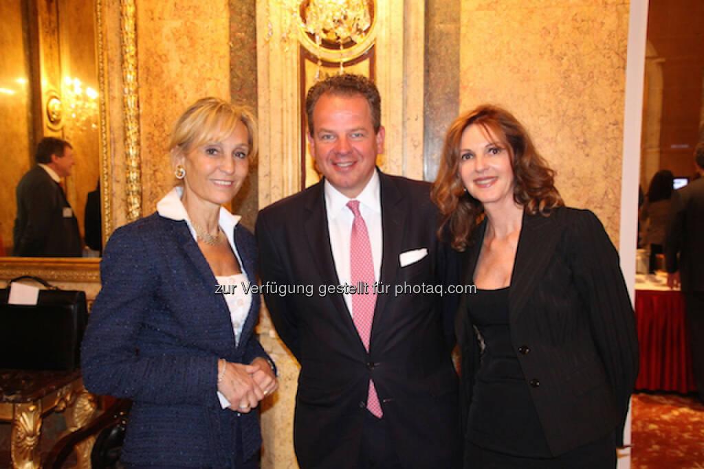 Isabella de Krassny (Donau Invest), Arno Fuchs (CEO von FCF Corporate Finance München),  Sabine Duchaczek (Advantage Strategy & Finance), © Aussender (29.06.2015)