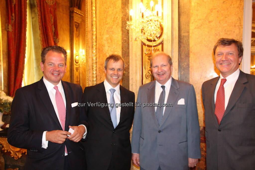 Arno Fuchs (CEO von FCF Corporate Finance München), Martin Friedrich (HQ Trust), Stiftungsexperte Maximilian Eiselsberg, Harald Klien (Calliope Holding AG), © Aussender (29.06.2015)