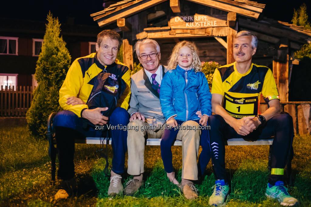 Armin Assinger, Post-Generaldirektor Georg Pölzl, Susi, Staffelläufer Anton Winkler , © Gepa/Post AG (29.06.2015)