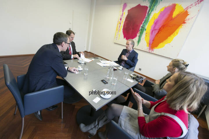 Für http://www.christian-drastil.com/fachheft-info/ im Talk: Wilhelm Celeda (RCB), Stefan Dörfler (Erste Group), Christian Drastil, Andrea Pelinka-Kinz (RCB), Hana Cygonkova (Erste Group)