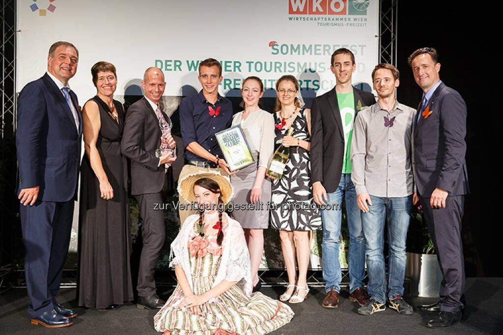 Laufen hilft GmbH: Laufen hilft - Österreichs Laufopening gewinnt den Wiener Freizeit- und Tourismuspreis Goldene Jetti, (C) WKW - Sparte Tourismus Florian Wieser, © Aussendung (07.07.2015)
