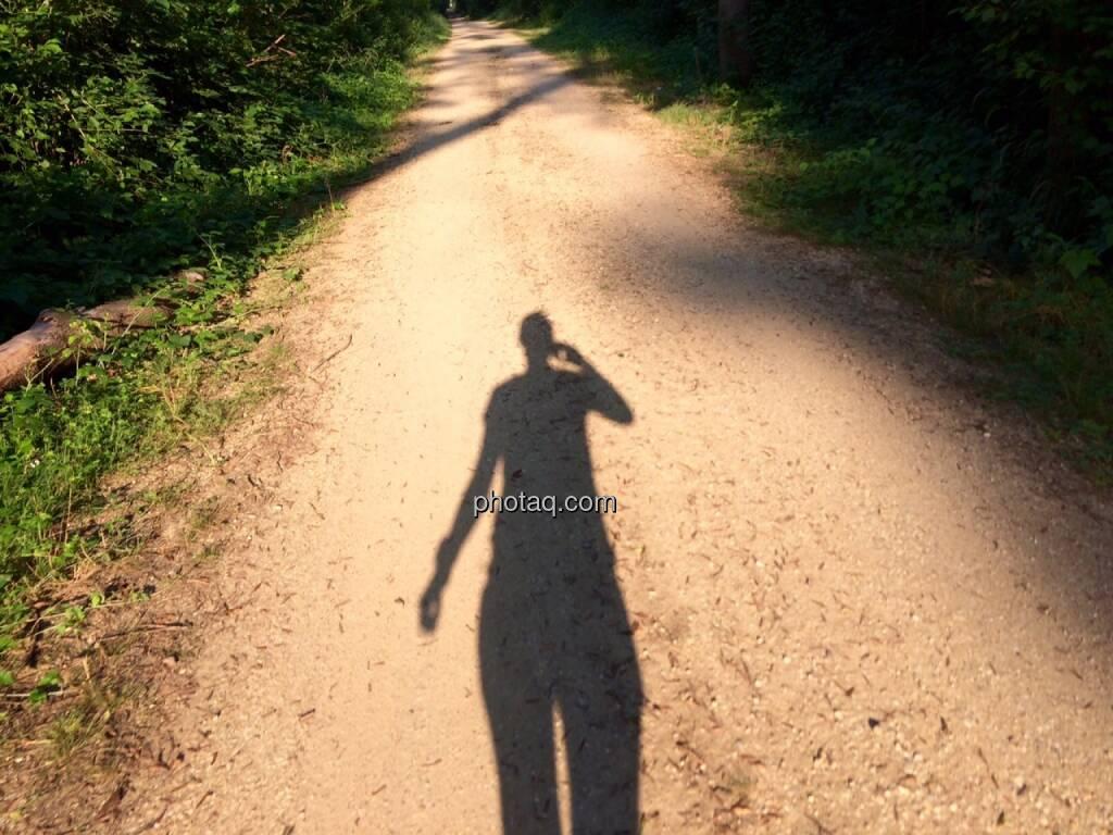 laufen, weg, Schatten, © Martina Draper (07.07.2015)