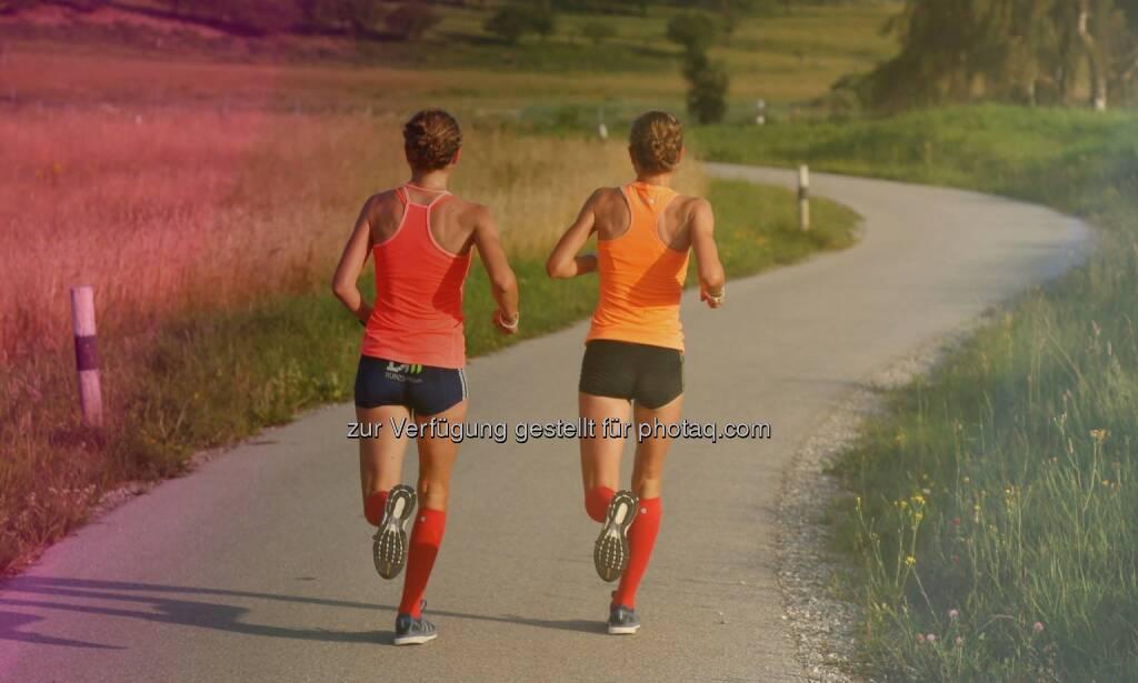 Auslaufen, nach Hause - Anna Hahner und Lisa Hahner, Hahnertwins, &copy; <a href=