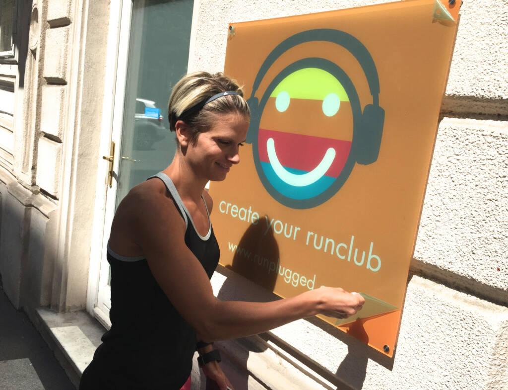 Elisabeth Niedereder entpackt Runplugged bei Tristyle  (12.07.2015)