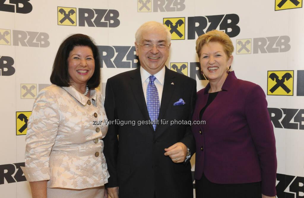 Charlotte und Walter Rothensteiner; Maria Rauch-Kallat, Unternehmerin und ehemalige Frauenministerin, © RZB (10.03.2013)
