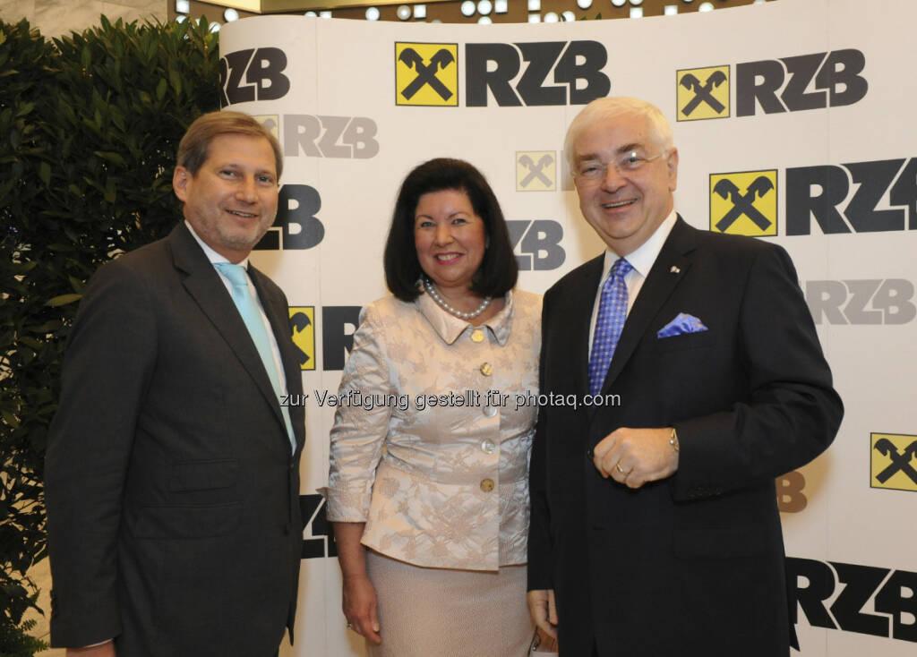Johannes Hahn, EU-Kommissar und Vizepräsident des Europäischen Parlaments; Charlotte Rothensteiner und Walter Rothensteiner, RZB-Generaldirektor, © RZB (10.03.2013)