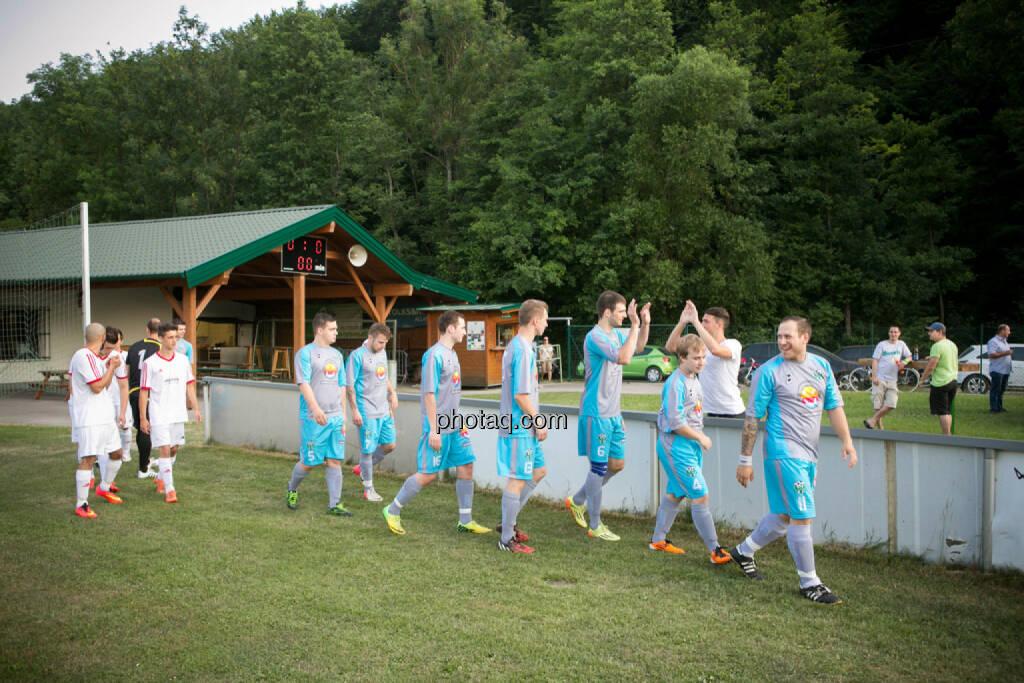 SC Alland - USC Rogner Bad Blumau, Einlauf, © photaq/Martina Draper (14.07.2015)