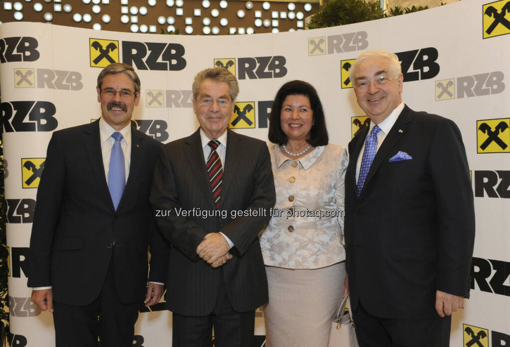 Erwin Hameseder, Aufsichtsratspräsident RZB; Bundespräsident Heinz Fischer; Charlotte und Walter Rothensteiner, © RZB (10.03.2013)