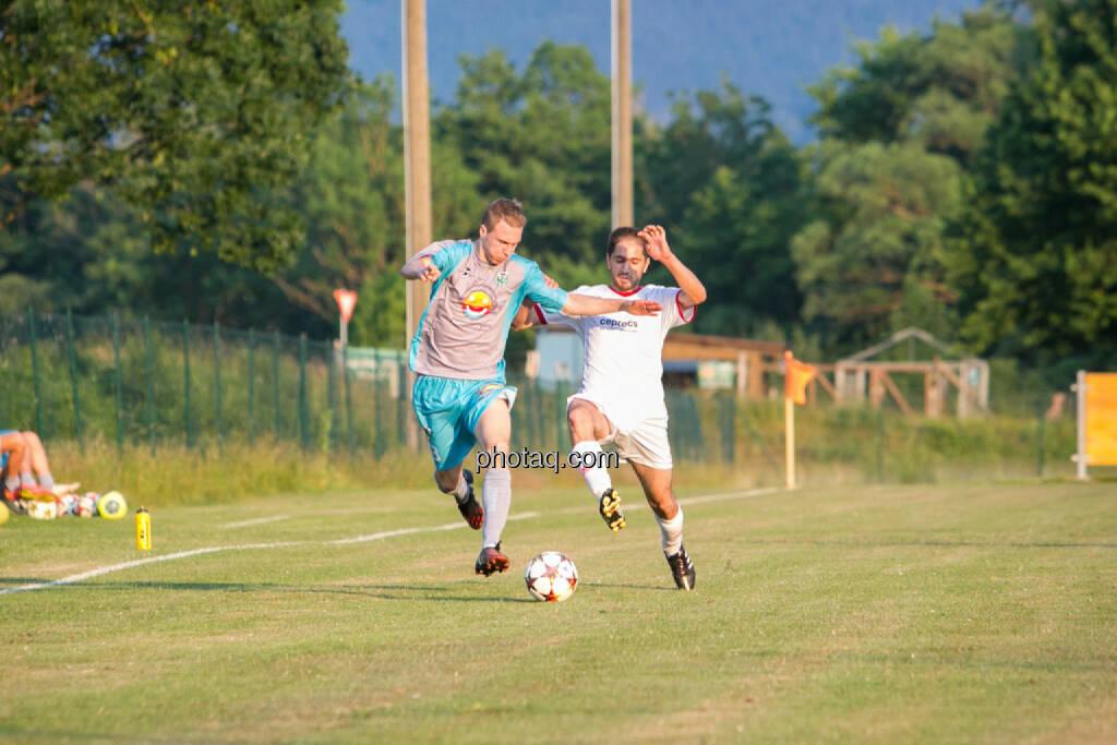 SC Alland - USC Rogner Bad Blumau, Zweikampf, © photaq/Martina Draper (14.07.2015)