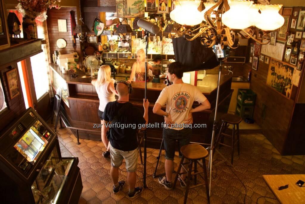 Johanna Rieger beendete Dreharbeiten für zweite Staffel der Sitcom Die Brunnen4tler für Okto.tv : © Georg Lindner, © Aussendung (14.07.2015)