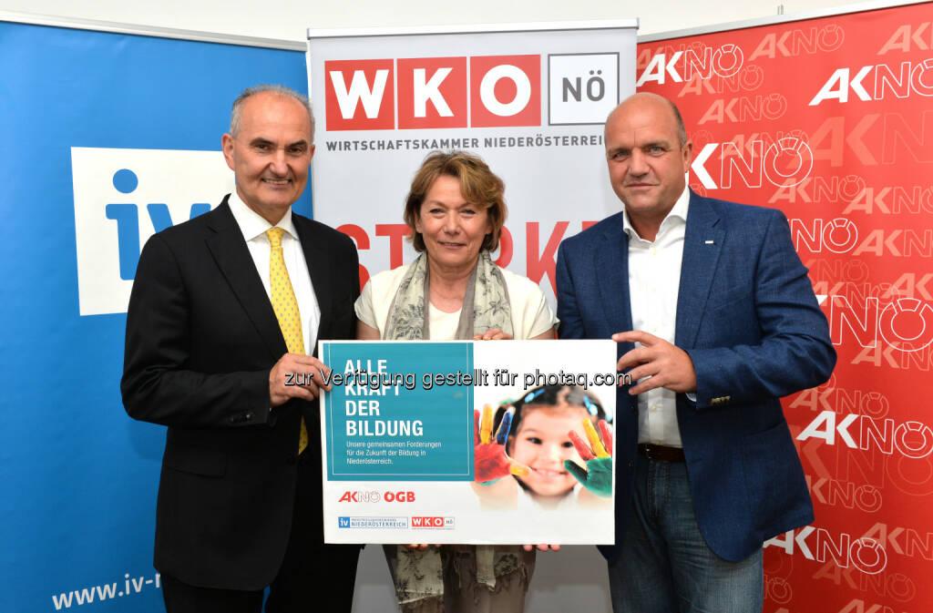 Johann Marihart, Wirtschaftskammer NÖ-Präsidentin Sonja Zwazl und AKNÖ-Präsident und ÖGB NÖ-Vorsitzender Markus Wieser: Wirtschaftskammer NÖ: Alle Kraft der Bildung, (C) WKNÖ, © Aussendung (15.07.2015)