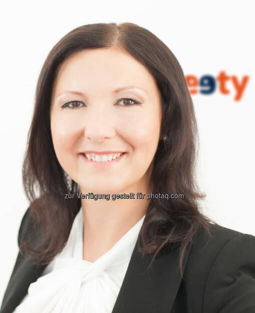 eety-Managerin Melanie Weber: eety-Telecommunications GmbH: Mobilfunkanbieter eety steigt in den Diskont-Markt ein. (C) eety, © Aussendung (15.07.2015)