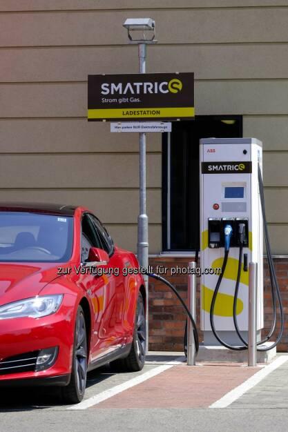E-Mobility Provider Austria: Smatrics eröffnet 6 neue High-Speed-Ladestationen in 4 Bundesländern – Aufladen von Elektroautos innerhalb von Minuten ist Realität. (C) Smatrics, © Aussendung (16.07.2015)