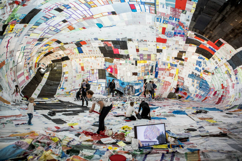 21er Haus: Becoming Aerosolar : Kunstprojekt mit Besuchern : © Stefan Joham/Belvedere, Wien, © Aussendung (16.07.2015)
