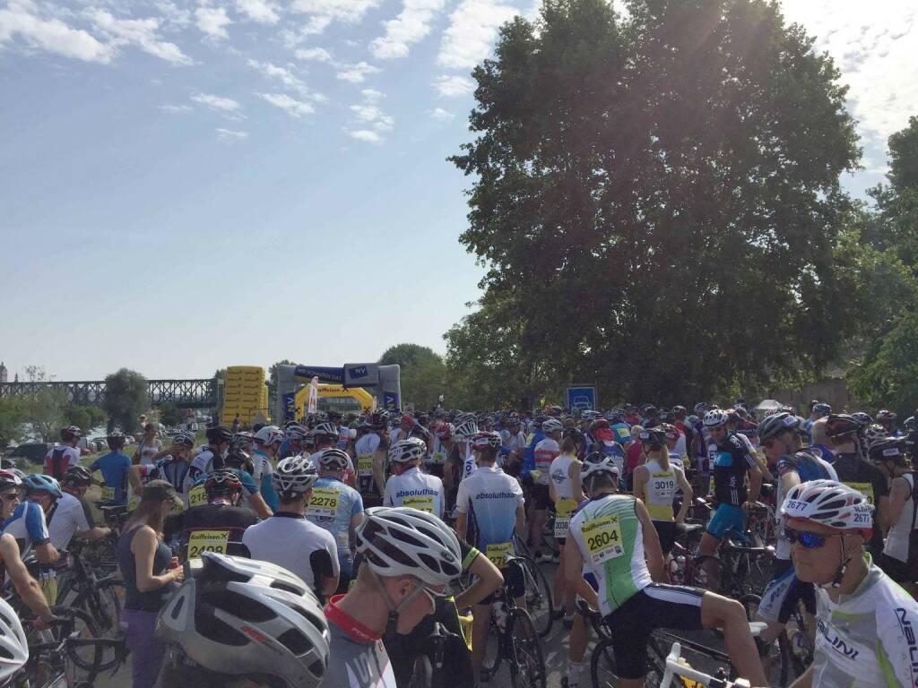 vor dem Start, Wachauer Radtage (20.07.2015)