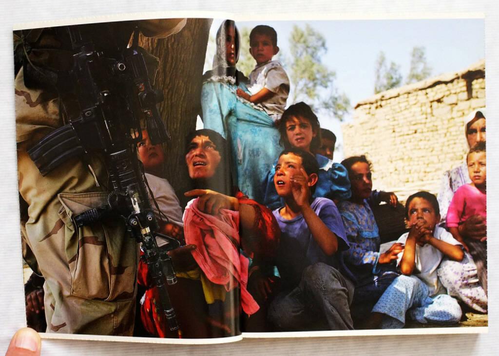 Geert van Kesteren - Why Mister why? Irak 2003-2004. (2004), 100-200 Euro http://josefchladek.com/book/geert_van_kesteren_-_why_mister_why_irak_2003-2004 (26.07.2015)