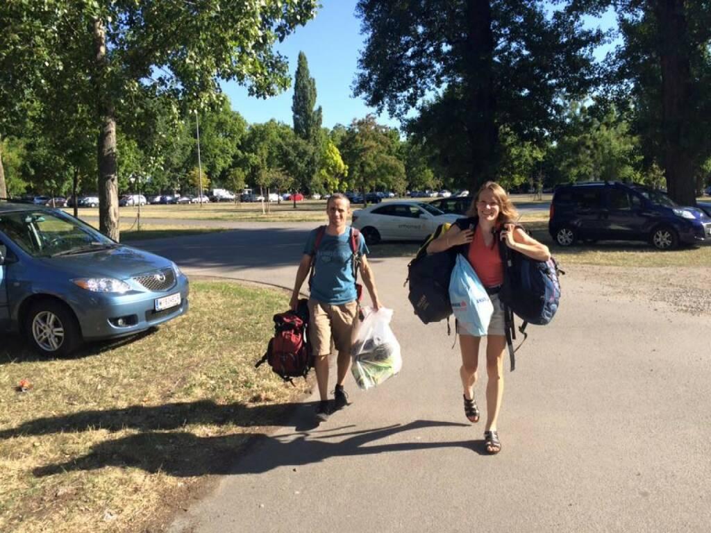 Sandrina Illes, (Sport-)Sammlung für Flüchtlinge in Traiskirchen, © mit freundlicher Genehmigung von Tom Rottenberg (26.07.2015)