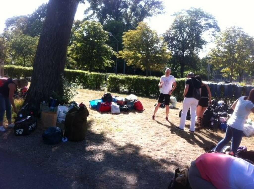 Tom Rottenberg; (Sport-)Sammlung für Flüchtlinge in Traiskirchen, © mit freundlicher Genehmigung von Tom Rottenberg (26.07.2015)