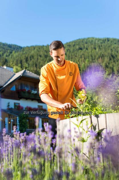 Wanderhotels - best alpine : Essbare Natur - Handgemacht und lokal - so schmeckt Natur am Besten. Brotbacken, Käsemachen, Kräuter sammeln : Fotograf: Franz Gerdl / Fotocredit: Franz Gerdl/Landhof/Wanderhotels, © Aussender (28.07.2015)