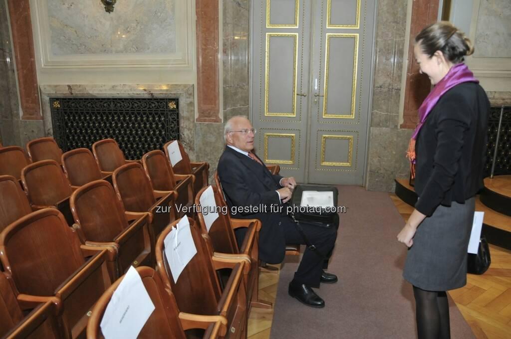 Claus Raidl (OeNB), Ulrike Haidenthaller (Aktienforum) (15.12.2012)