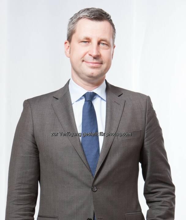 Robin Lemke : Kerkhoff Group wirbt High Potentials ab. Robin Lemke ist mit Wirkung zum 1. August 2015 Geschäftsführer bei der Kerkhoff Group GmbH. In dieser Funktion verantwortet Lemke gesellschaftsübergreifend neben dem Vertrieb auch das Personalmanagement :  © Kerkhoff Group GmbH