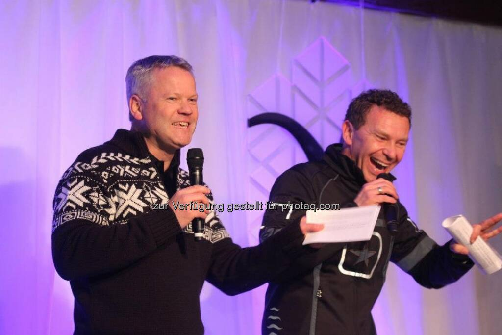 voestalpine-Mitarbeiter-WM: voestalpine-Vorstand Franz Kainersdorfer und Moderator Roman Roell begrüßen die Athleten (14.03.2013)
