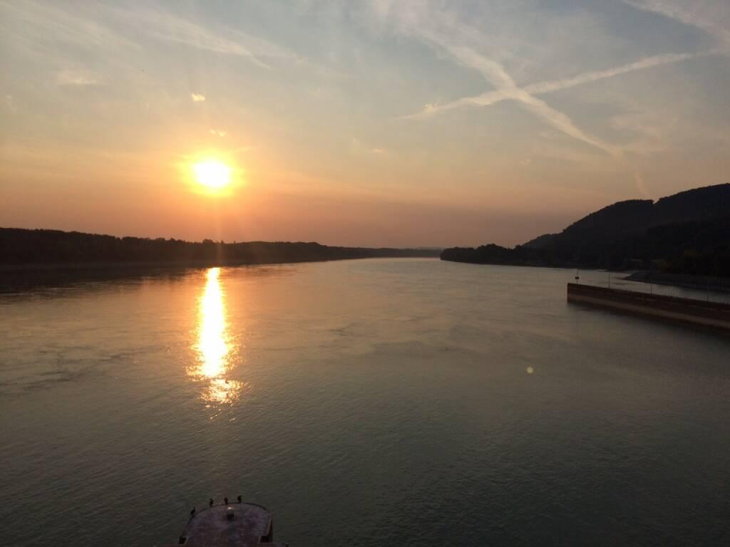 Sonnenaufgang über der Donau der 100., © Martina Draper (11.08.2015)