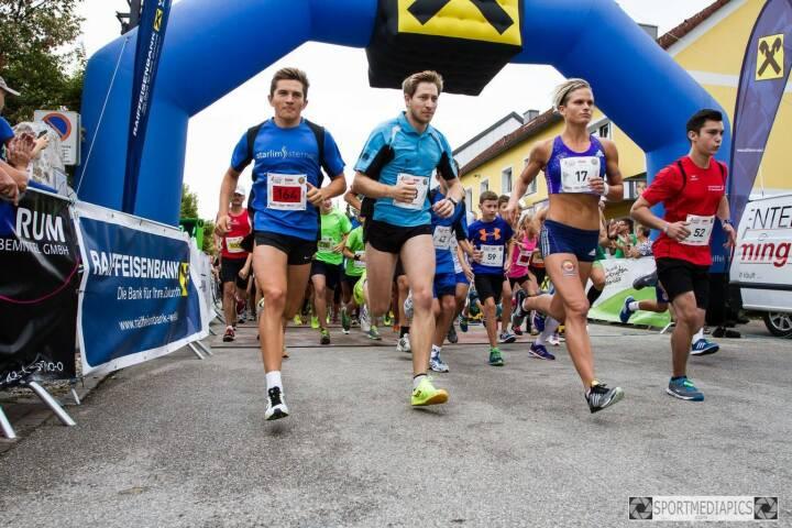 Marchtrenker Stadtgrandprix, Start mit Elisabeth Niedereder, Tristyle Runplugged Runners