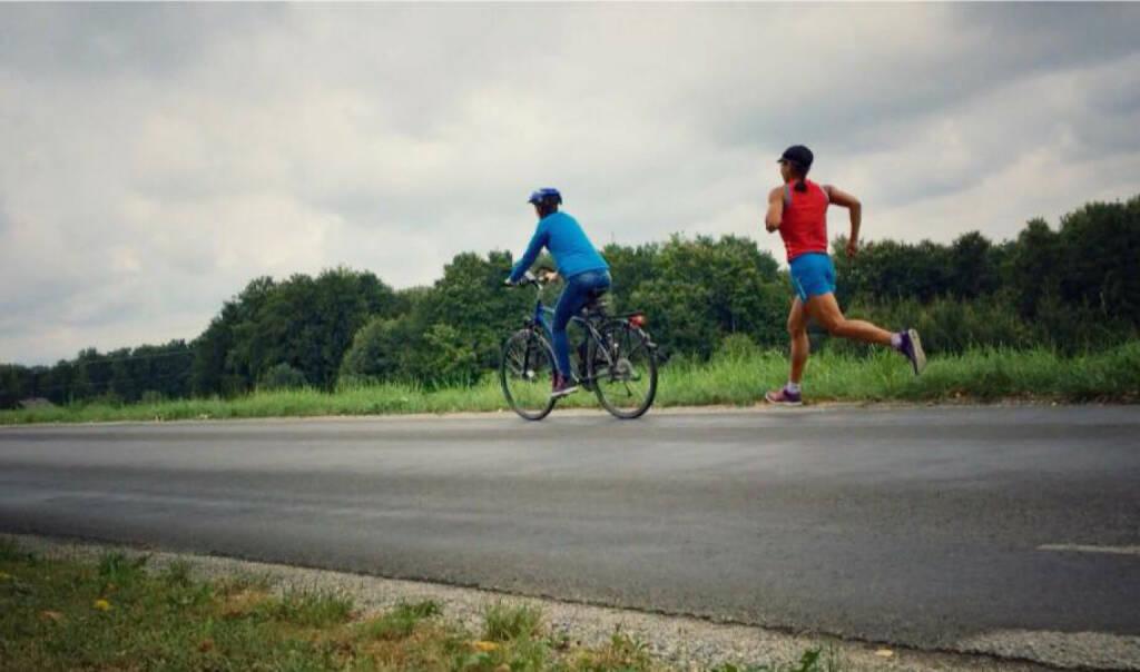 Annabelle Mary Konczer (Tristyle Runplugged Runners) mit Carina Stepanek: Radtraining 2.0 für Läufer, Lassnitzhöhe, Steiermark, Austria., © Diverse  (19.08.2015)
