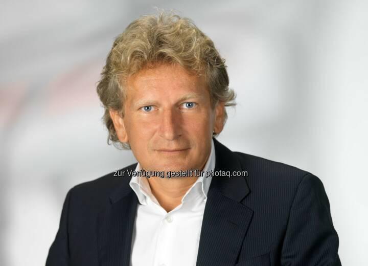 Gerhard Riedler (Geschäftsführung Mediaprint): Aktuelle Österreichische Auflagenkontrolle (ÖAK) bestätigt die Spitzenstellung der Kronen Zeitung am österreichischen Tageszeitungsmarkt: Fotograf: Foto Wilke/Fotocredit:Copyright Mediaprint