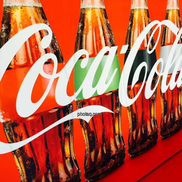 Coca Cola, Flaschen, © photaq.com (24.08.2015)